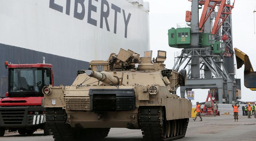Прибытие в Ригу 9 марта военного транспорта «Liberty Promise»