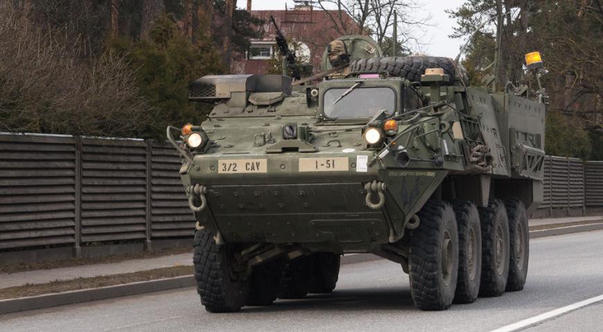 Через территорию Латвии 22 и 23 марта проследовало 40 единиц различной военной техники
