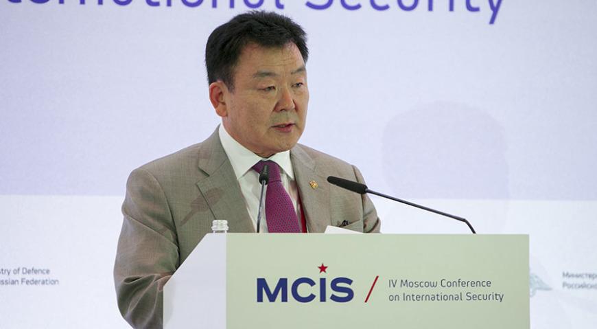Министр обороны Монголии Церендашийн Цолмон