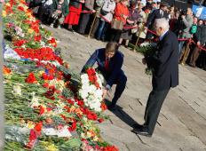 70 лет Победы в Риге: Возложение цветов