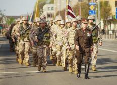 Елгава 4 мая: Парад войск