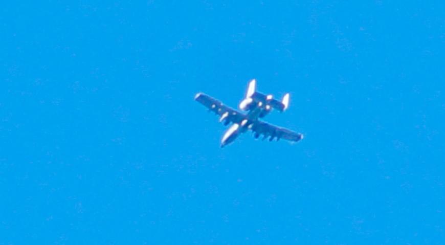 A-10 Thunderbolt II над Братским кладбищем в Риге