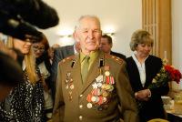 Вручение ордена Славы в Елгаве