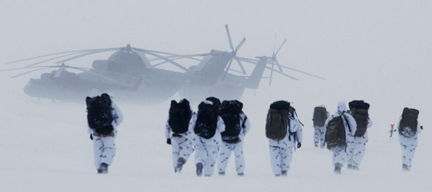 Десант на дрейфующие льдины в Арктике