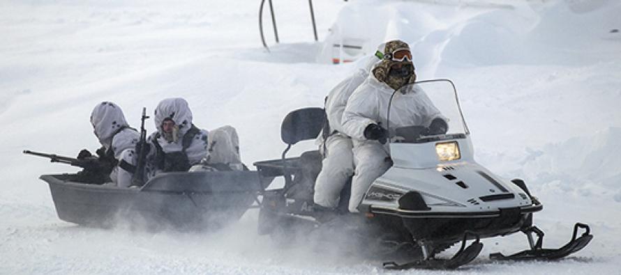 Российские десантники осваивают снегоходы