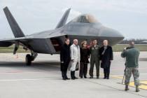 Литву посетили два истребителя F-22 Raptor