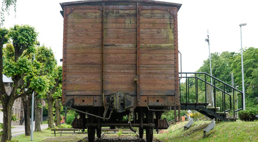 Товарный вагон на станции Торнякалнс