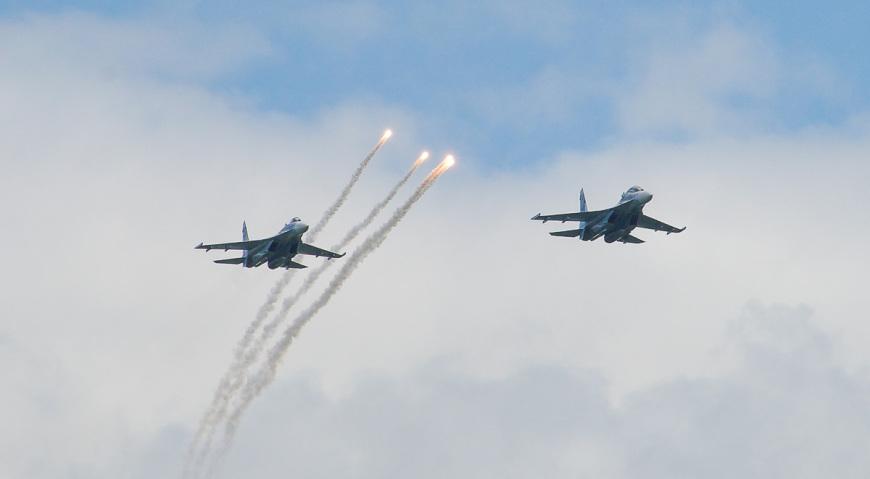 Парный пилотаж Су-27