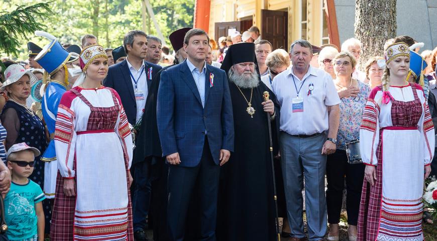 Губернатор Псковской области Андрей Турчак с делегацией