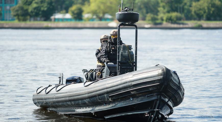 Скоростная лодка спецназа НВС Латвии