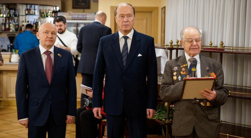 Ответное слово сказал ветеран Анатолий Иванович Пятницкий