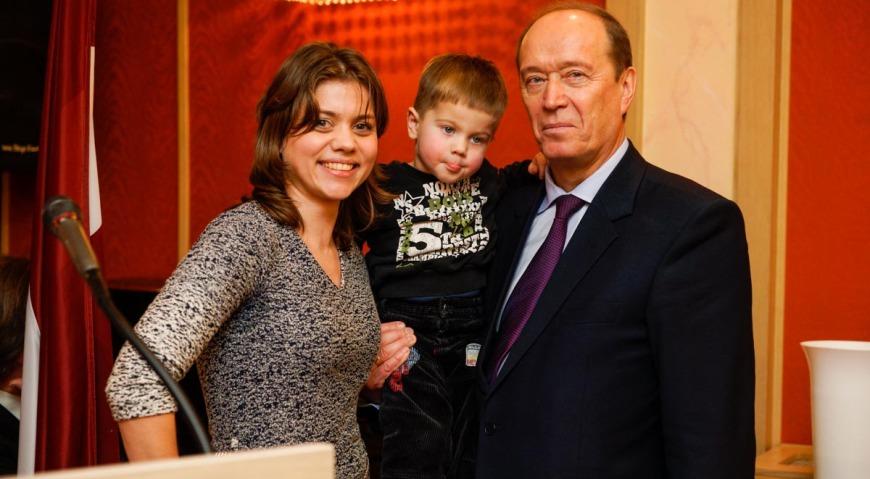 Маргарита Драгиле с сыном Стефаном