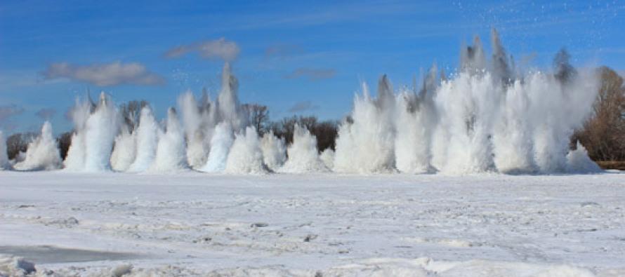 Взорван ледовый затор