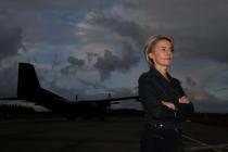 Министр обороны Германии прибудет в Латвию