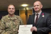 Бригадный генерал A.Leika награжден медалью США