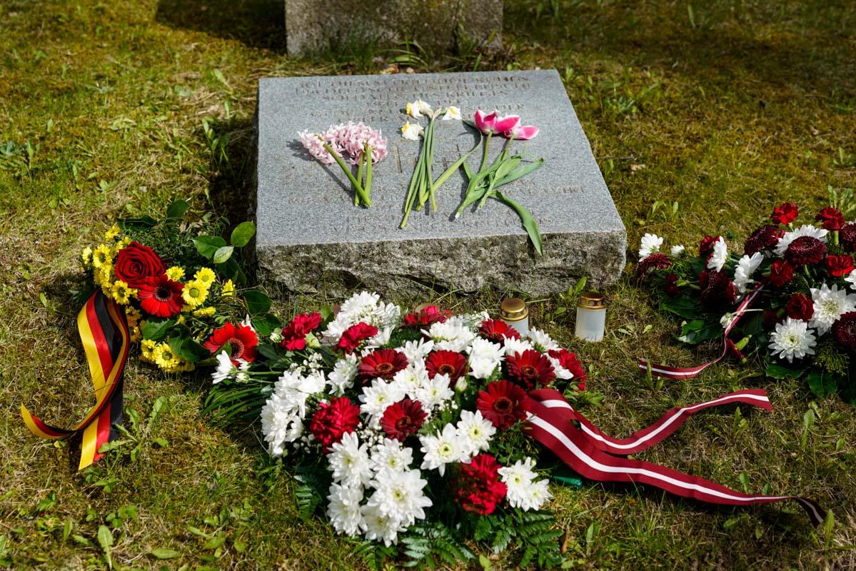 8 мая на кладбище легионеров в Лестене