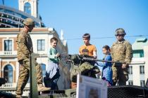 Выставки военной техники в городах Латвии