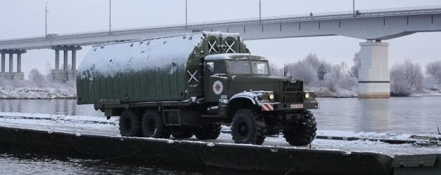 Наведён понтонный мост через Припять
