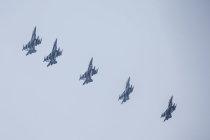 12 истребителей F-16 прибыли в Эстонию из США