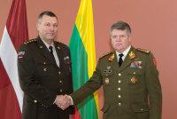 Командующий литовской армией нанёс визит в Латвию