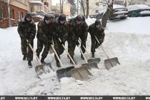 Военнослужащие спешат на помощь