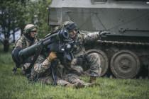 Министр обороны Латвии посетит Великобританию