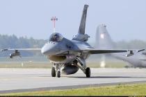 Польша будет патрулировать на истребителях F-16
