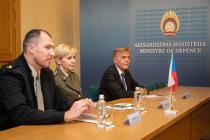 В Латвии аккредитовали военного атташе Чехии