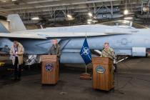 Генсек НАТО посетил авианосец USS Harry S. Truman