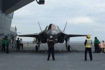 Первая посадка F-35B на борт HMS Queen Elizabeth