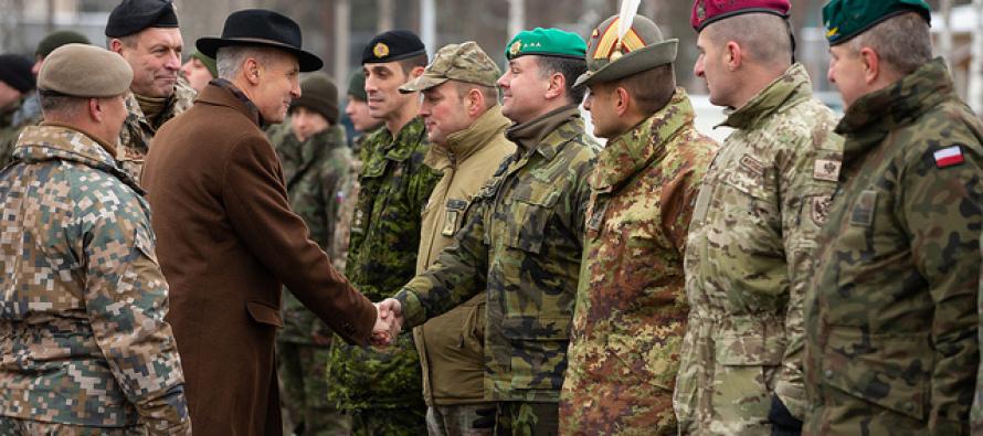 Министр обороны Латвии посетил военные базы