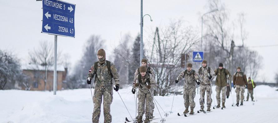 Земессарги осваивают навыки выживания зимой