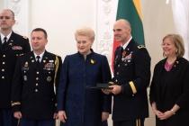 Литва наградила литовских и американских военных