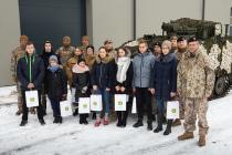 Школьники познакомились с работой оборонной отрасли