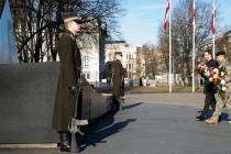 Мероприятие у памятника полковнику Калпаку в Риге