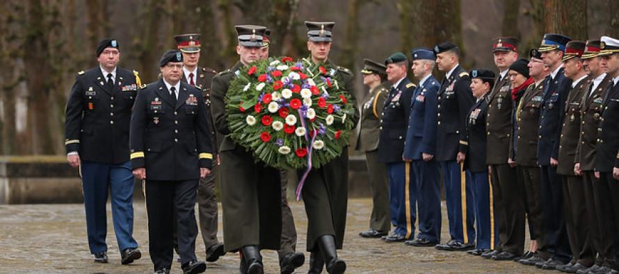 Визит главного гвардейца штата Мичиган в Латвию
