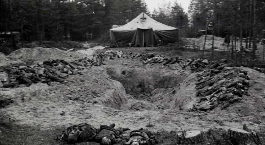 Следственная эксгумация на Гарнизонном кладбище в Саласпилсе, ноябрь 1944 г.