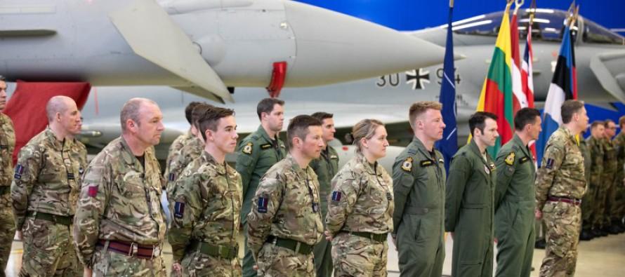 Смена воздушной полиции НАТО на авиабазе в Эмари