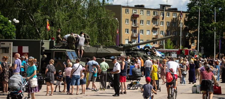 """Военнослужащие участвуют в походе """"Testudo rallijs"""""""
