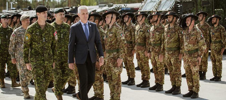 Смена командования Боевой группы НАТО в Адажи
