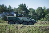 Литва получила первые бронемашины Boxer