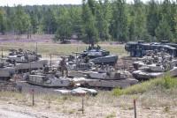 На Адажском полигоне упражнялись в стрельбе из танков
