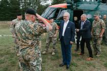 Президент и министр обороны посетили лагерь Земессардзе