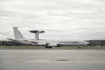 Самолёт AWACS приземлился в аэропорту «Рига»