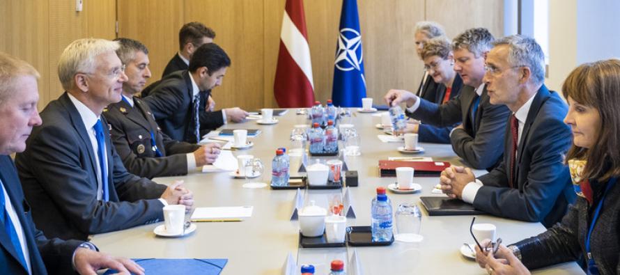 Премьер-министр Латвии посетил НАТО