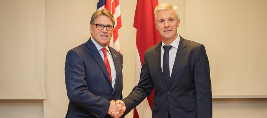 Министр обороны встретился с министром энергетики США