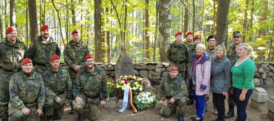 Субботник на военном кладбище