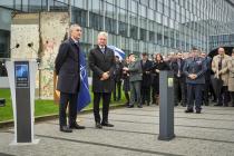 НАТО отметило 30-летнюю годовщину падения Берлинской стены