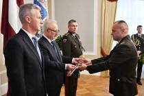 Командиру Земессардзе присвоено звание генерала